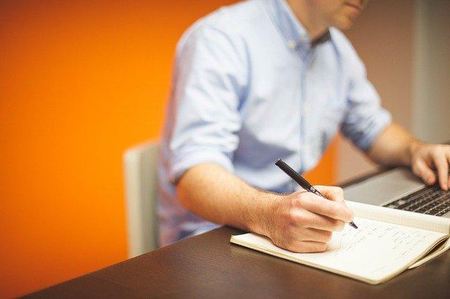 Hledání práce je práce skoro na celý úvazek